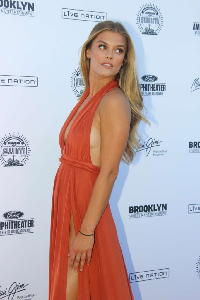 Nina-Agdal-Ditches-Underwear-and-Bra-for-Swim-Concert (16)